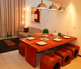無垢素材,テーブル,ダイニング,ダイニングテーブル,椅子,丸太